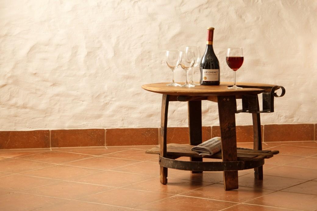Klubska miza 1