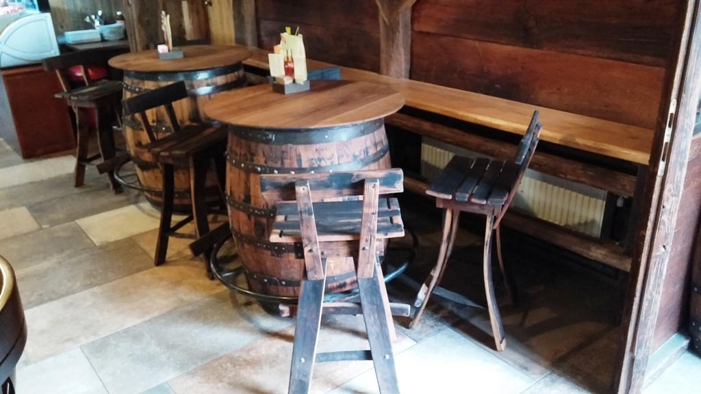 Komplet miza z Barskim stolom